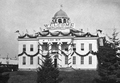 The University of Washington decorated for the Villard visit.