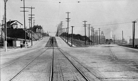 Looking south up the completed link on Western Ave. to the also new Elliott Ave. on the right. Is it not a wonder how still it is?