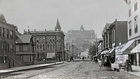 LaRoche's early 1890s look north on Third Avenue