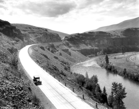 Asahel Curtis' look south to the canyon curve and cut above the Yakima River. (Courtesy, Washington State Museum, Tacoma)
