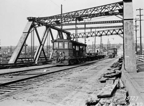 clip-ballard-brdge-rail-removal-5-31-39-web