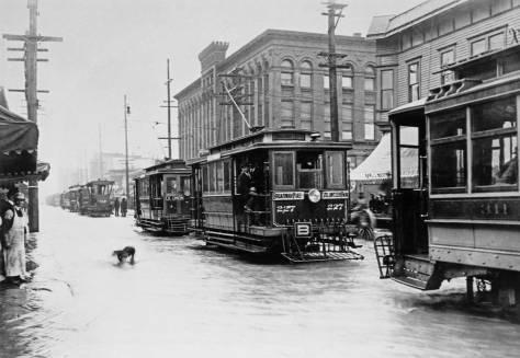 clip-trolley-flood-on-pike-web