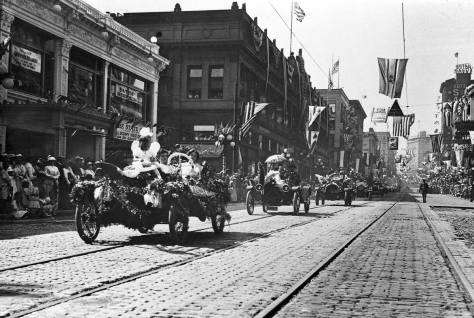 Motorcars were themselves still made a thrilling parade during the early years of the Golden Potlatch Days.