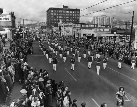 Near the start, the Santa Parade heads south on Third Avenue approaching Virginia Street.