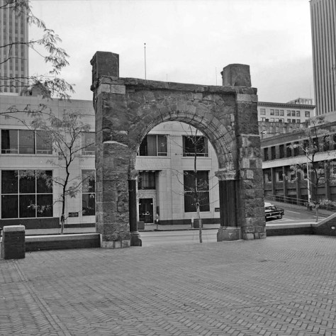 The salvaged arch front door arch to the Burke Building, recorded by Frank Shaw in November 1974.
