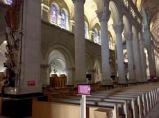 Basilica of Sainte-Anne-de-Beaupré: Pillar of crutches