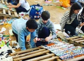 Art Club weaves sleeping mats for homeless