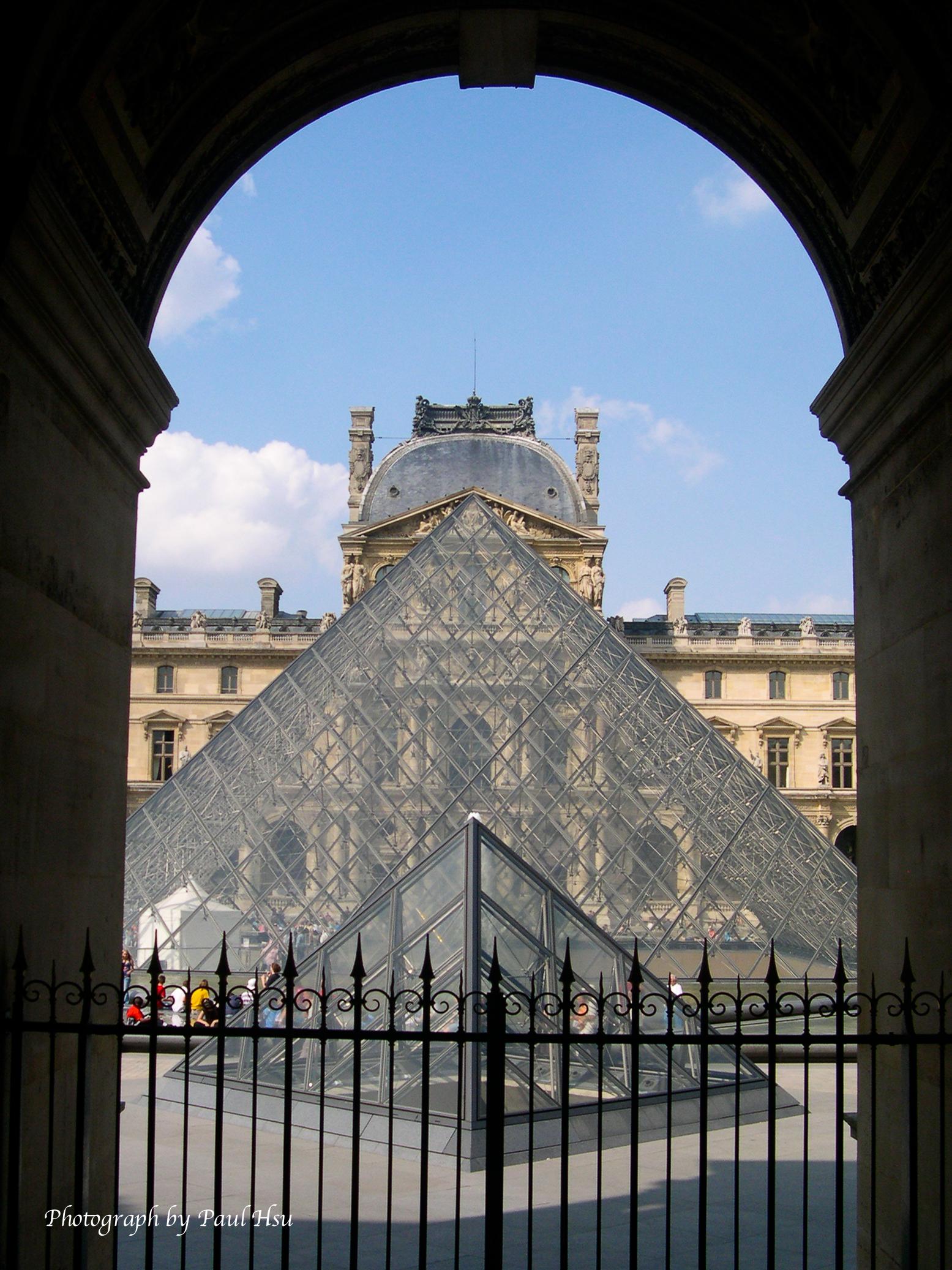 巴黎羅浮宮之玻璃金字塔 – 保羅的香江筆記