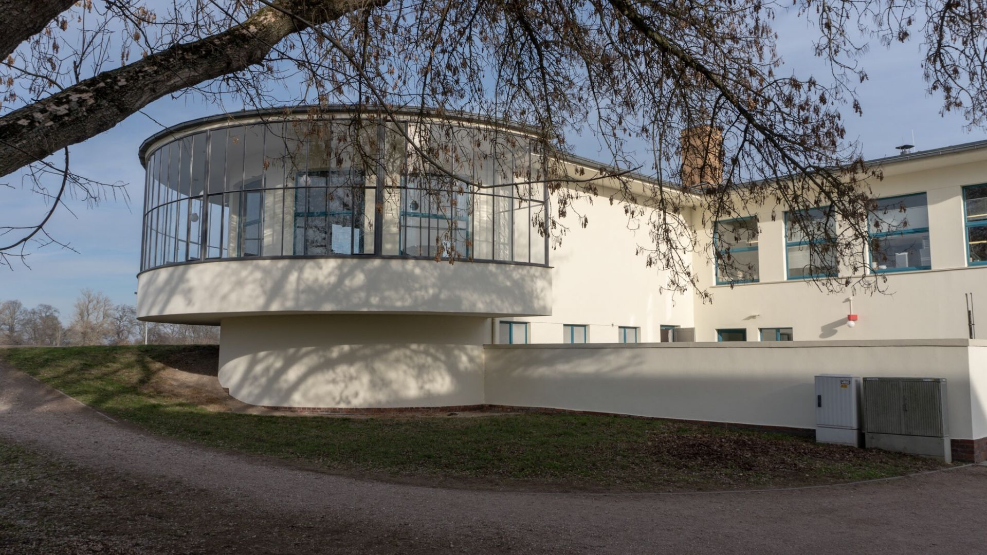 Das Kornhaus an der Elbe, gleich hinter dem Deich