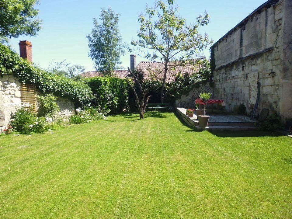 Mme Viviers garden