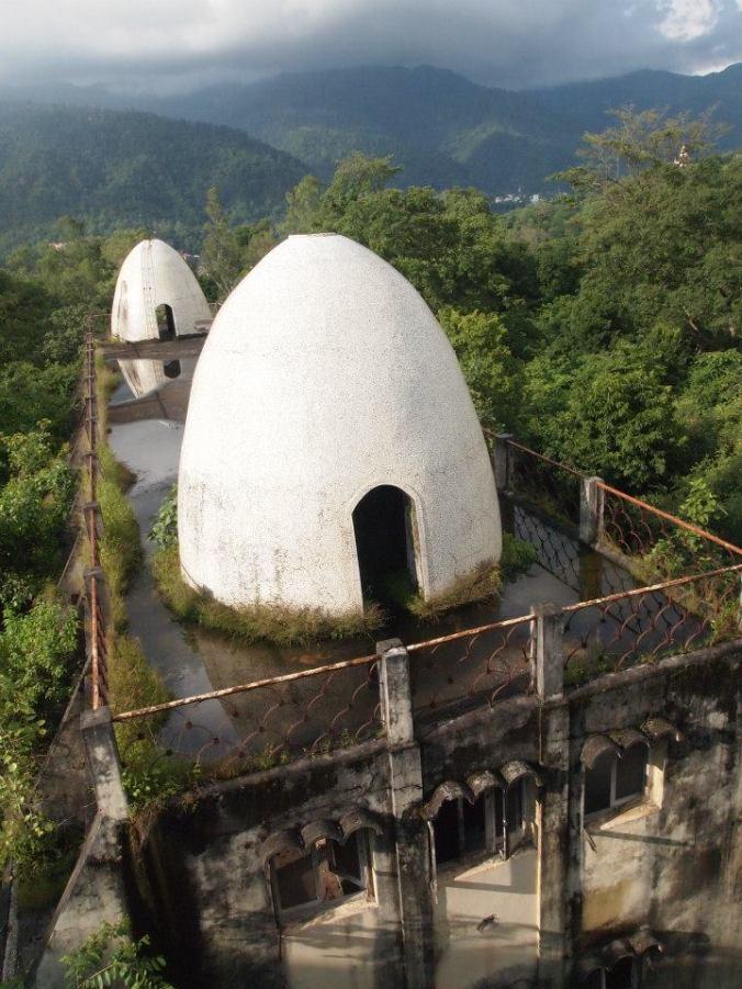 Ashram abandonado donde se alojaron los Beatles