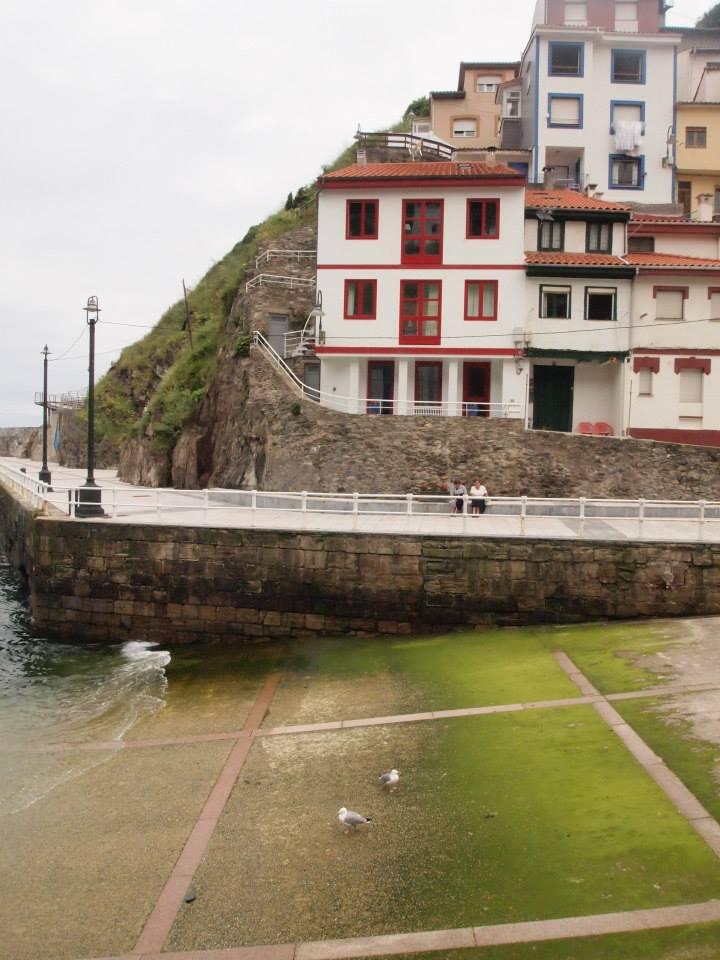 entrada al mar en Cudillero