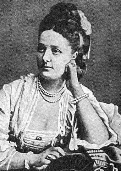Florence Ricardo, nee Campbell; probably taken in her late twenties.