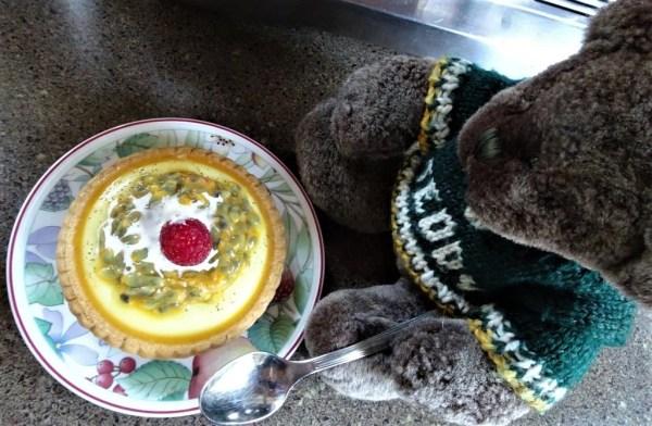 Edior Des and his passionfruit tart
