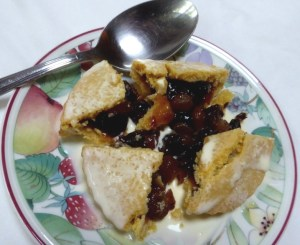 For a dairy farmer's daughter, the best way to eat a mince pie is deconstructed, with cream!