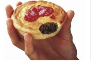 Meat pie with sauce