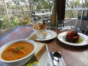 Lunch at Conservation Hut in Wentworth Falls