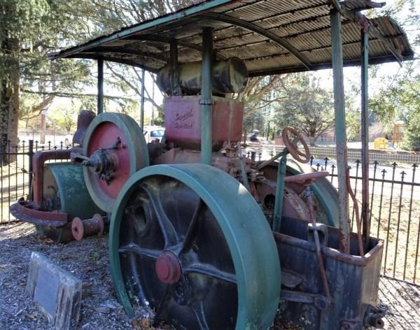 Traction engine in Blackheath park.