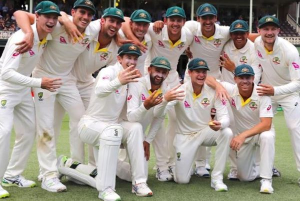 Victorious Aussies Ashes team 2017
