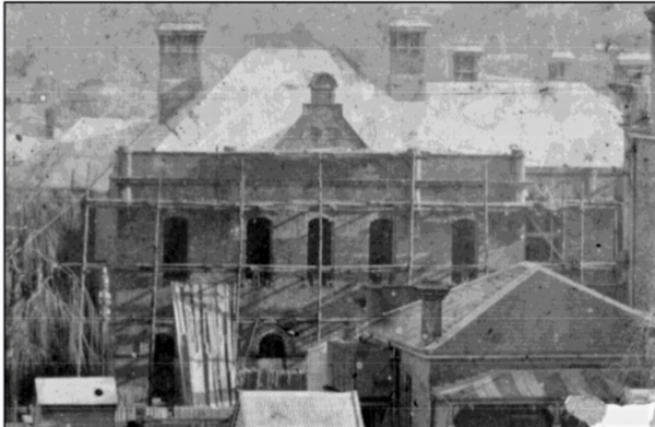 Furner's Hotel under construction in 1903. The stable complex was at the rear.