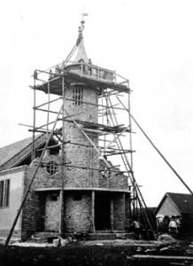 Abb. 4: Beim Kirchbau (1932)