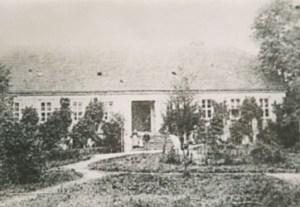 Abb. 5: Das Paulinenauer Gutshaus, noch einstöckig