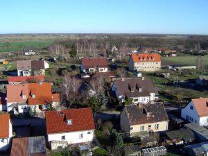 Der Nordosten von Paulinenaue mit den Häusern der Philipp-Müller-Straße, des Gartenwegs und der Jahnstraße.