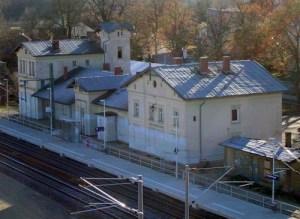 Das Empfangsgebäude des Paulinenauer Bahnhofs.