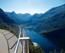 Road Trip Geiranger Fjord & Dalsnibba Skywalk Alesund
