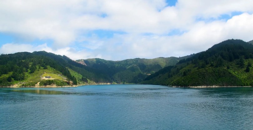 7 Great places to visit in New Zealand - Ferry to Picton