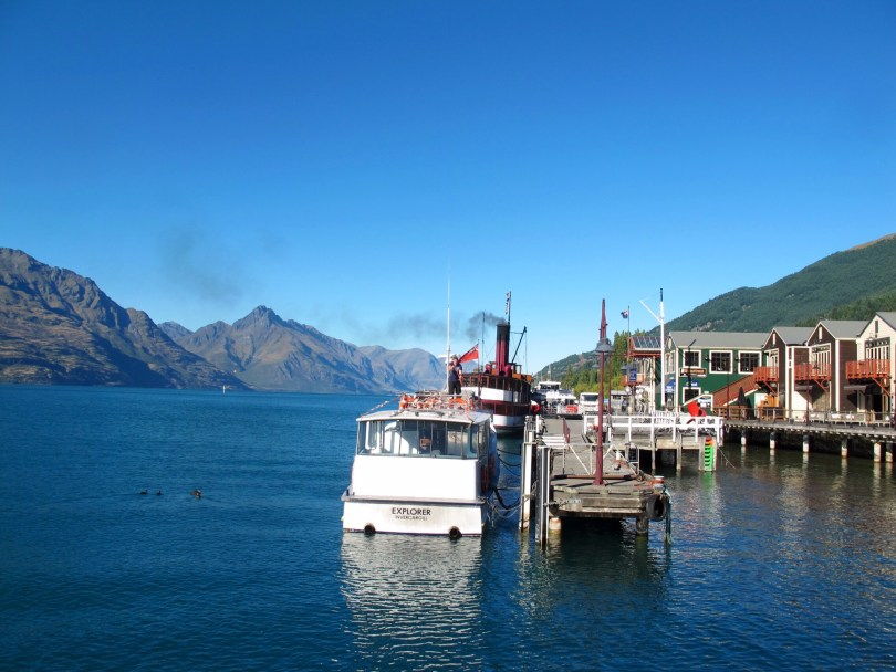 New Zealand Itinerary Including North and South Island, with ferries, wine tasting, sea kayaking, horseback riding, the fjord Milford Sound & Queenstown
