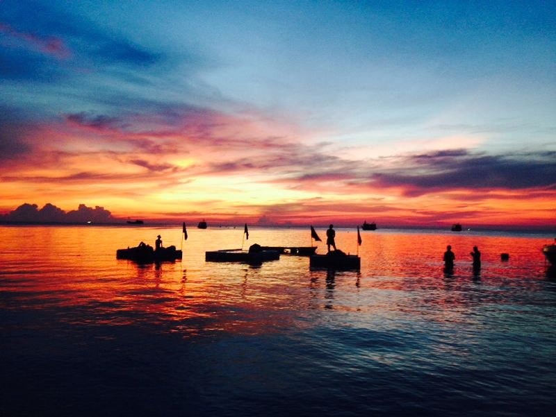 Sunset at Sairee Beach - 7 Great things to do in Koh Tao