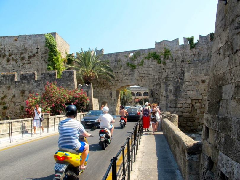 7 Great things to do in Rhodes - Old Town