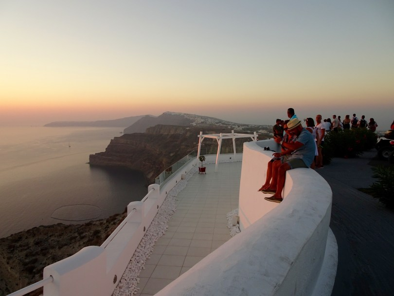 10 Days Greece Itinerary with the view Santorini in Sunset