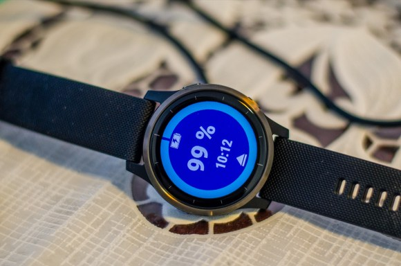 Charging the Vivoactive 4