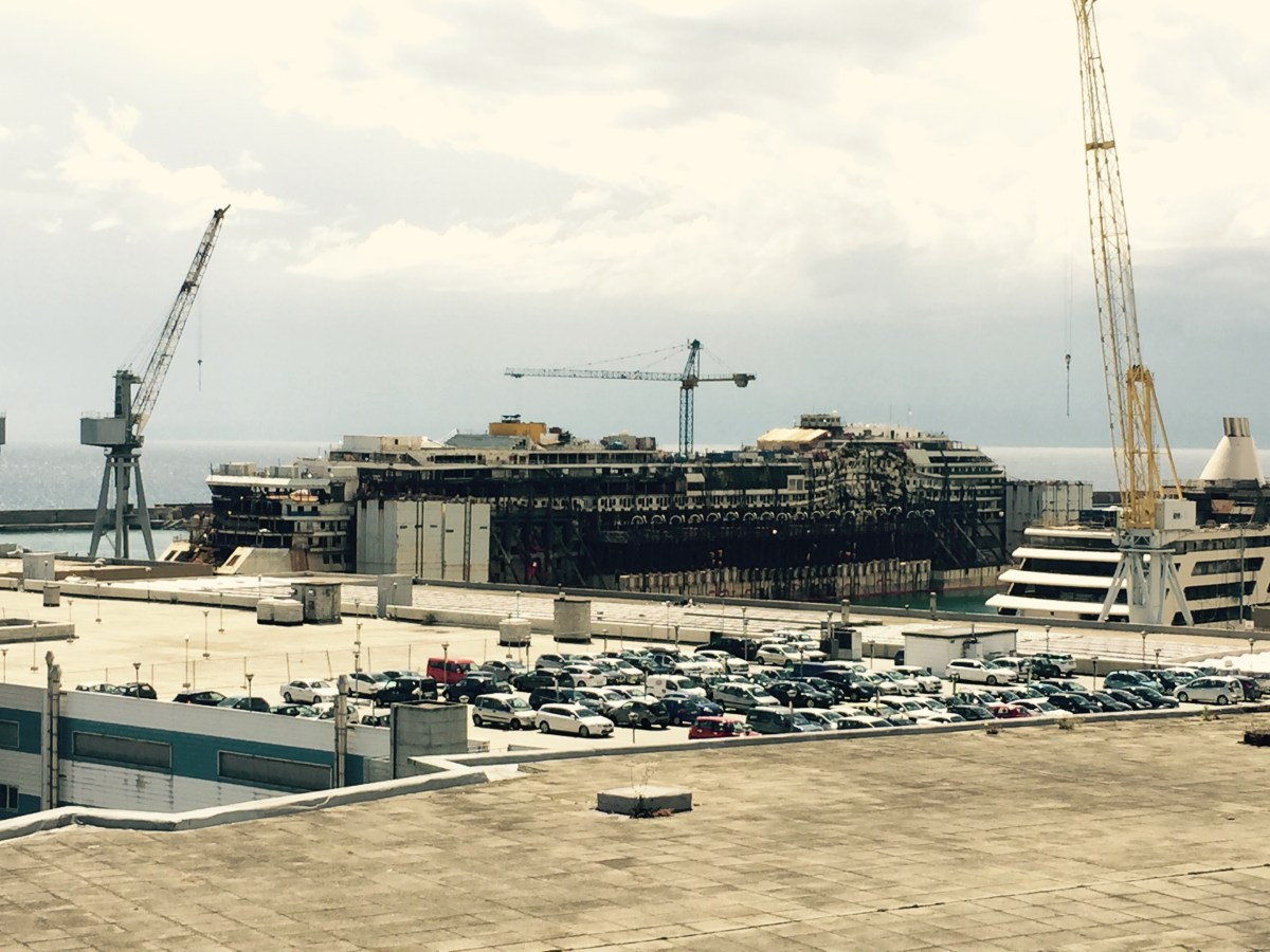 Decommissioning of the Costa Concordia