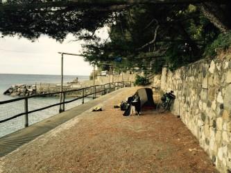 Campsite on the cliff, Moneglia