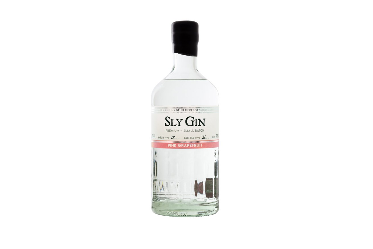 Haven Distillery Sly Gin Hereford product lifestyle photography photographer 5112