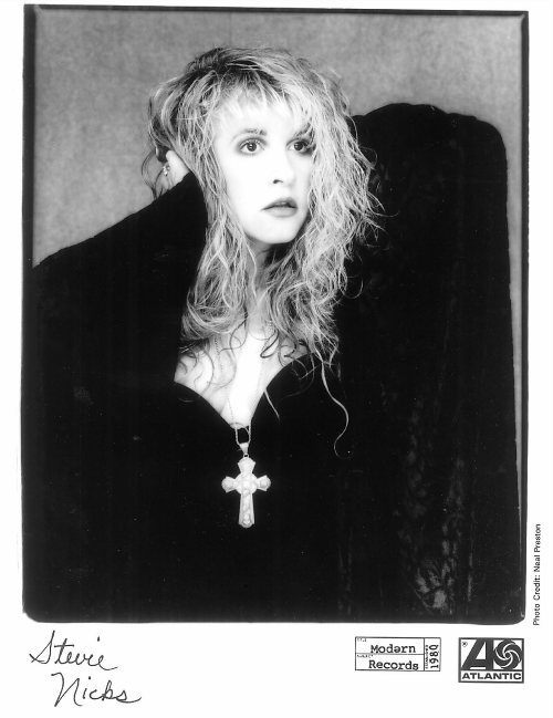 A Stevie Nicks promo pic by Neal Preston for Atlantic Records. More images at Stevie's website, the Nicks Fix, www.rockalittle.com
