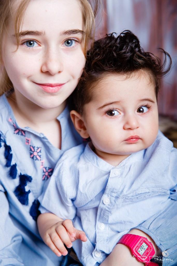 sedinta foto bebelus cu sora mai mare studio profesionist iasi www.paulpadurariu.ro © 2018 Paul Padurariu