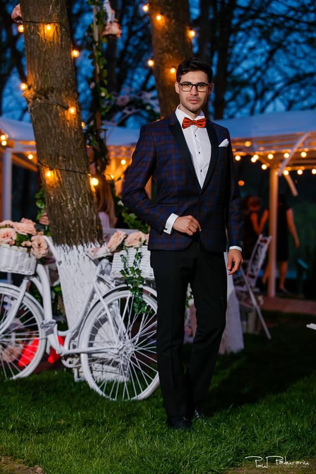 Prezentare costum mire elegant Seroussi Iasi Ceremony Summer 2018 la Elysium Events fotograf profesionist Paul Padurariu