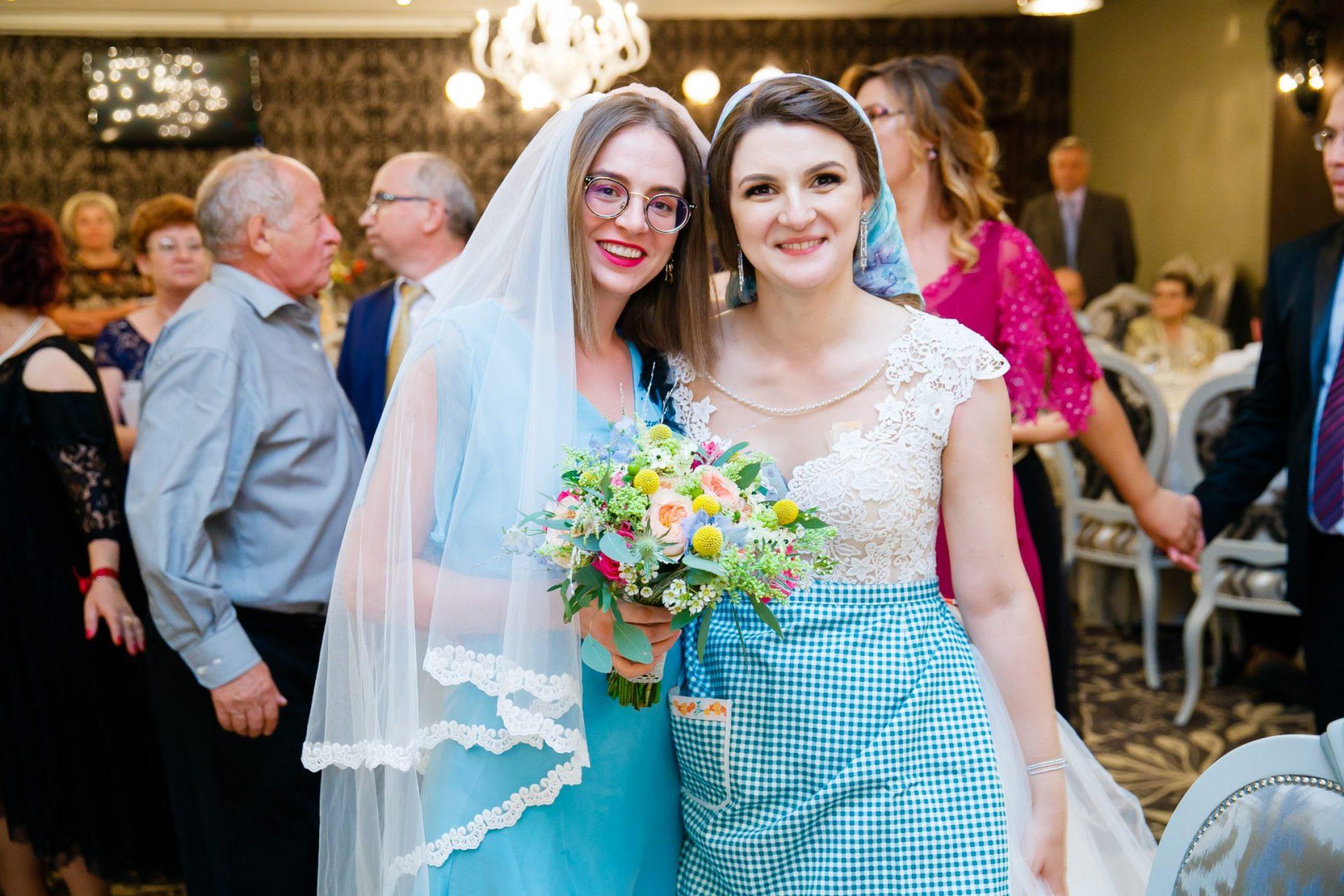 Nunta la Pleiada Iasi Alexandra si Vlad domnisoara de onoare a prins buchetul www.paulpadurariu.ro © 2017 Paul Padurariu fotograf de nunta iasi