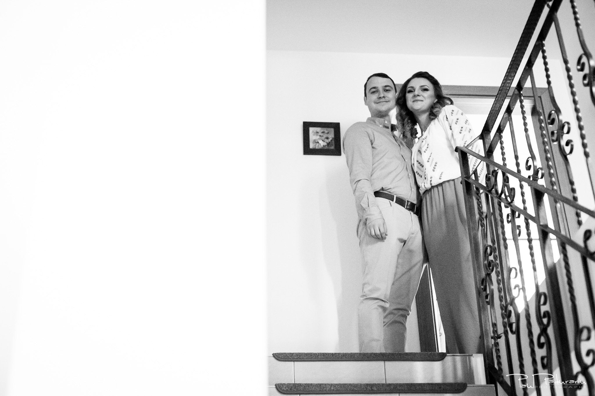 Alexandra si Vlad pregatiri nunta pleiada fotograf profesionist nunta iasi www.paulpadurariu.ro © 2017 Paul Padurariu cadru miri inainte de pregatiri