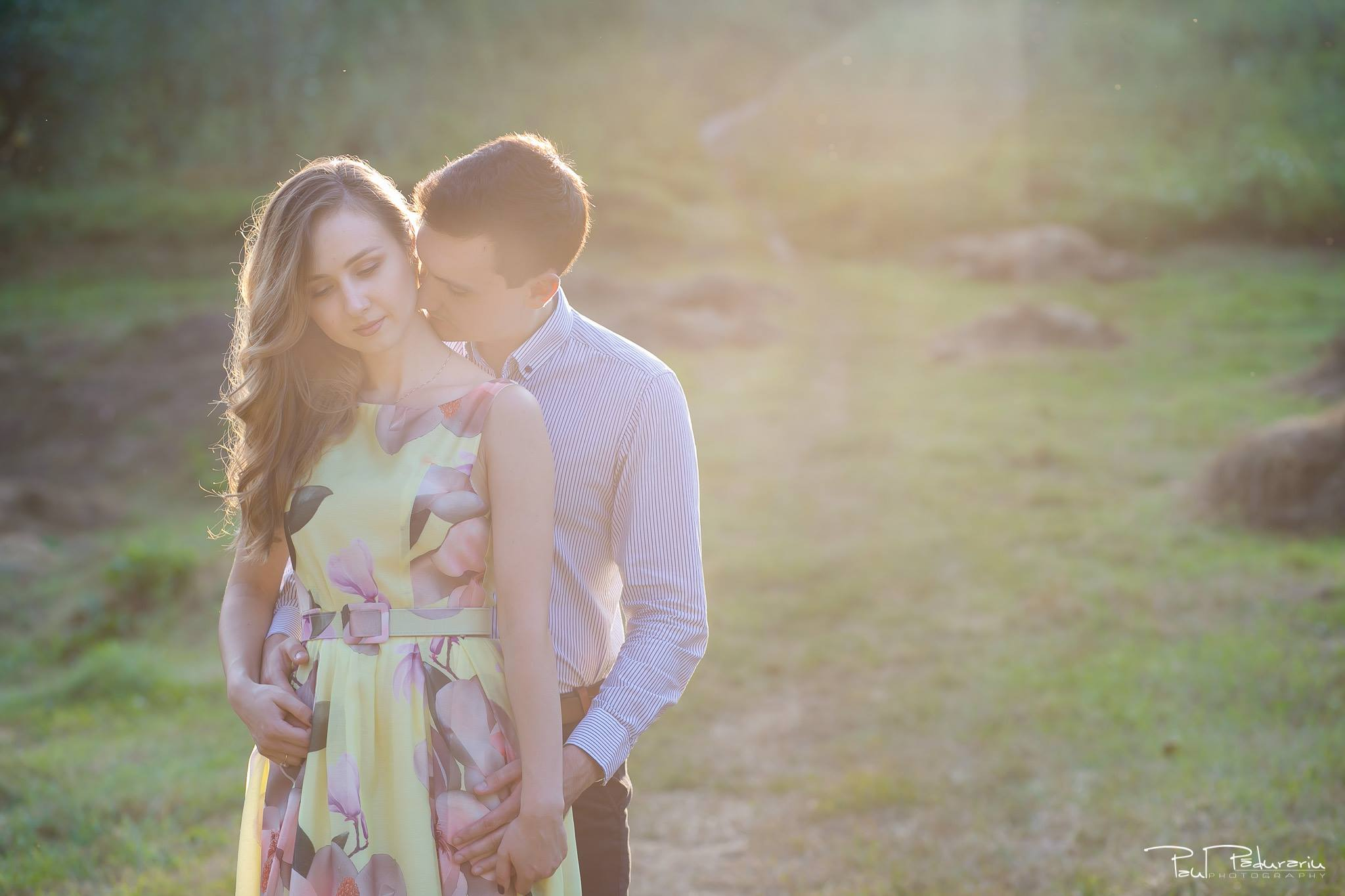 Nicoleta si Catalin - sedinta foto de logodna in Gradina Botanica Iasi - www.paulpadurariu.ro - fotograf profesionist de nunta Iasi