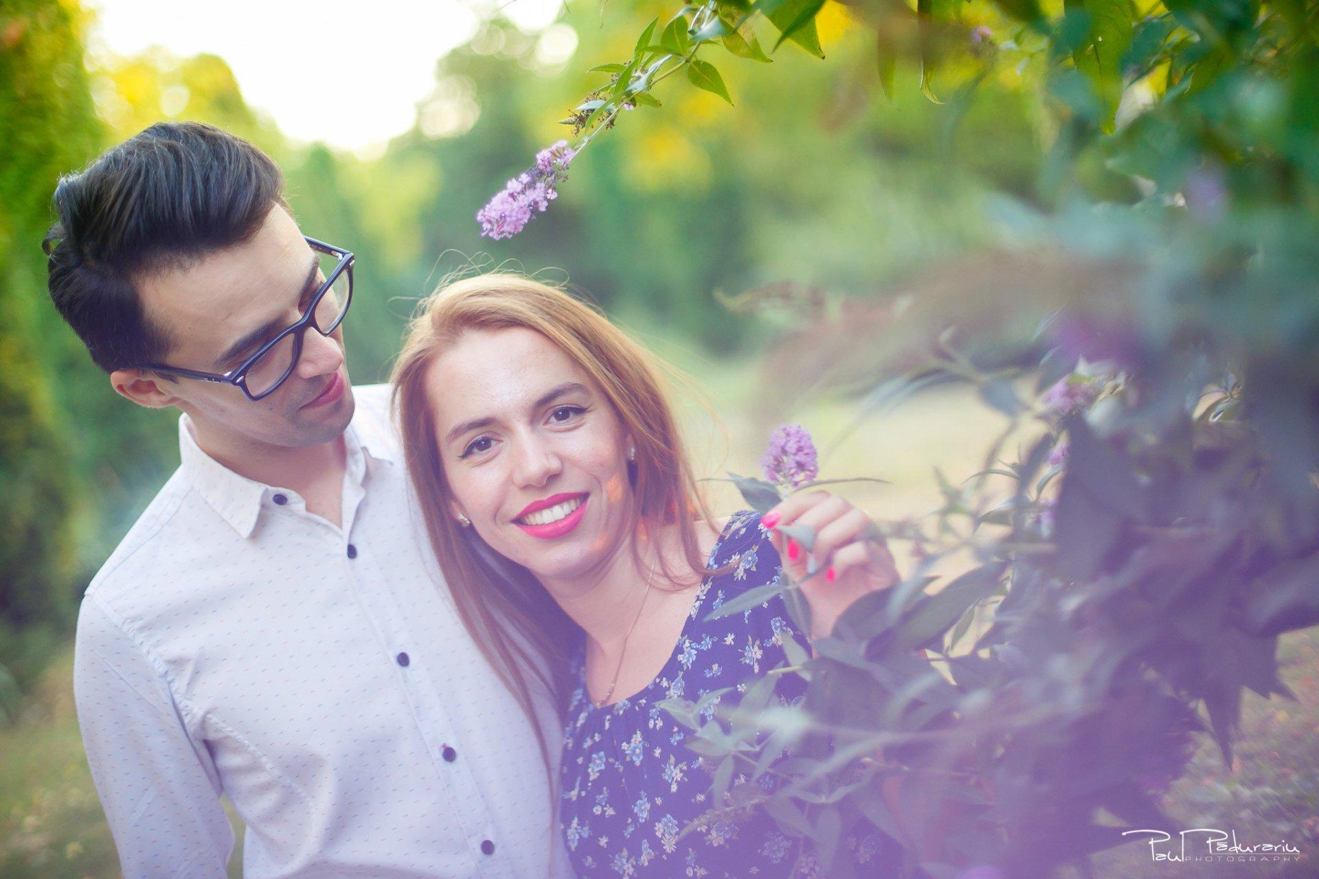 Cuplu Roxana si Silviu Sedinta foto logodna Gradina Botanica - fotograf nunta iasi www.paulpadurariu.ro © 2017 Paul Padurariu