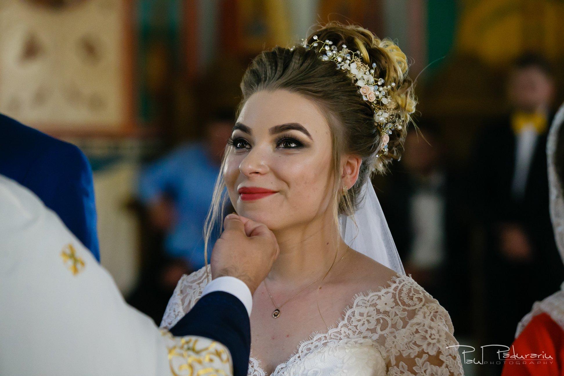 georgiana si daniel cununia religioasa biserica sf iulian din tars fotograf nunta iasi paul padurariu pregatiri miri www.paulpadurariu.ro 11