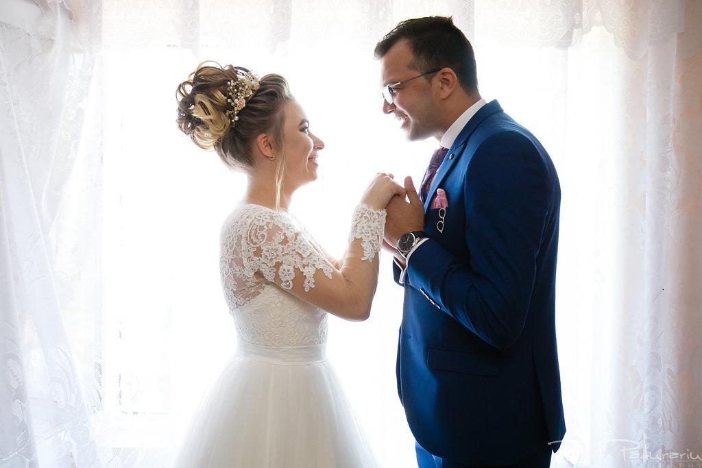 georgiana si daniel nunta grand hotel traian iasi fotograf nunta iasi paul padurariu pregatiri miri www.paulpadurariu.ro 11