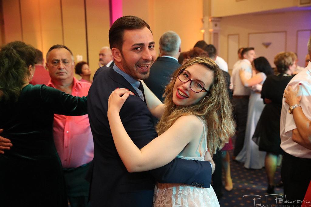 Georgiana si Daniel dansul mirilor nunta la Grand Hotel Traian Iasi paul padurariu pregatiri miri www.paulpadurariu.ro 17