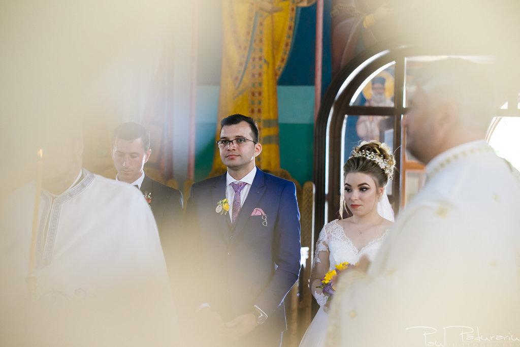 georgiana si daniel cununia religioasa biserica sf iulian din tars fotograf nunta iasi paul padurariu pregatiri miri www.paulpadurariu.ro 3
