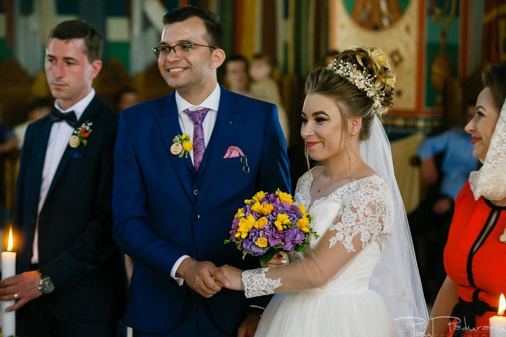 georgiana si daniel cununia religioasa biserica sf iulian din tars fotograf nunta iasi paul padurariu pregatiri miri www.paulpadurariu.ro 6